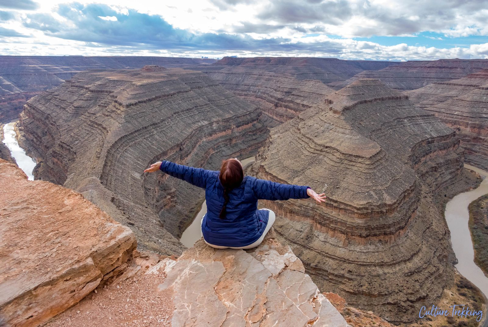 At Gooseneck state park trying to hug the sky, hidden gems of southern utah