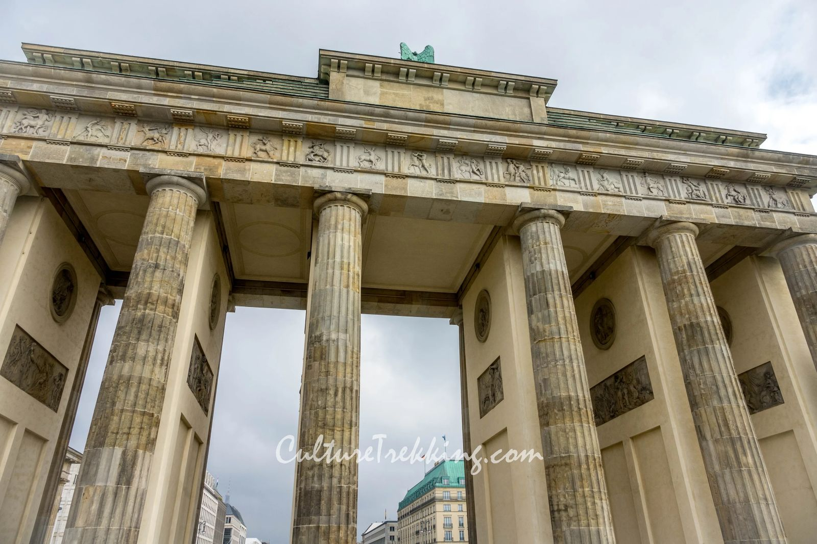 backpacking Eastern Europe 12 hours in berlin and what to see. Here is the Brandenburg Gate