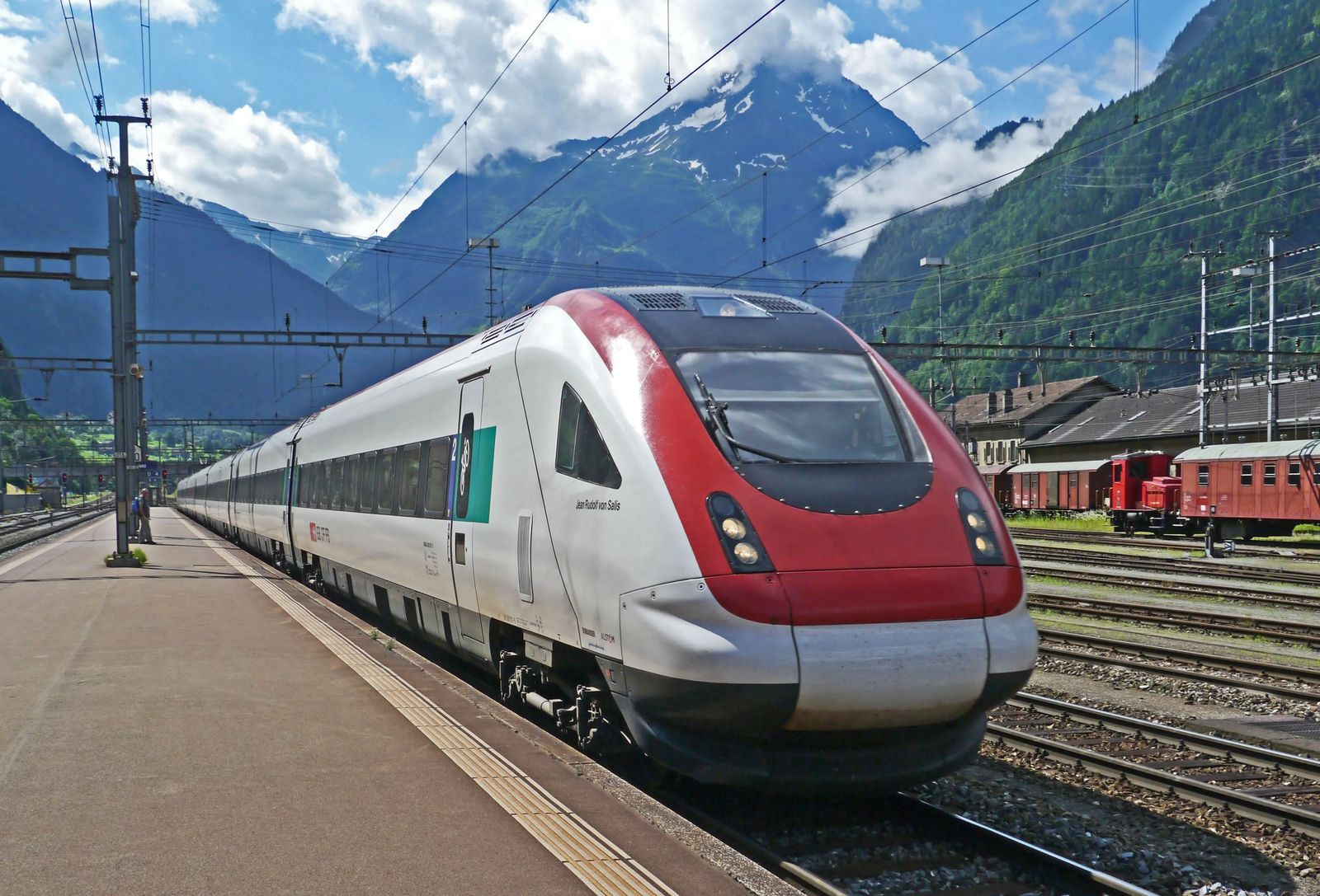 Top 15 Tips for Travel by Train in Europe